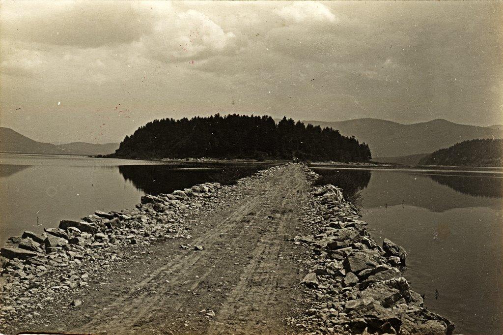 Slikoviti kaladont - Page 3 Jezero-nasip-ribnikar-razglednica