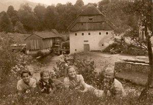Mlin-pri-Renkočih-okrog-1940-foto-Bavec_ob